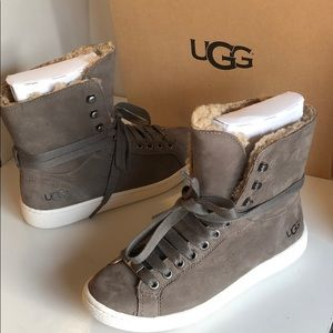 🥰New Ugg Classic Starlyn Mouse sneakers size 5.5